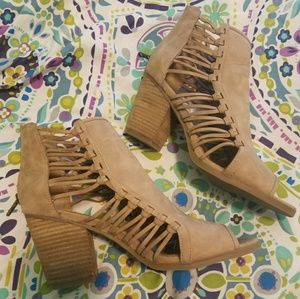Rampage Camel Open Side Heeled Sandals Size 11